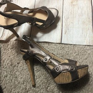 Guess bronze leather and cork heels, size 6